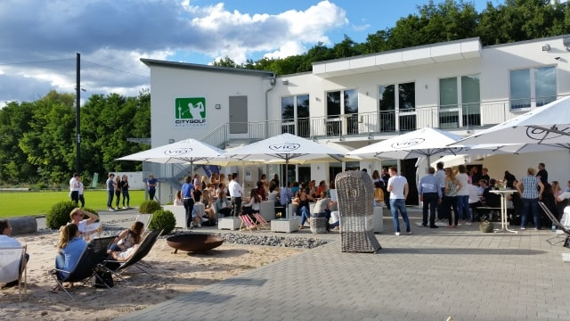 Event Sommerfest in Stuttgart in Kombination mit Golf Entertainment und Barbecue
